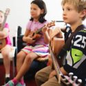 kids in group music lessons